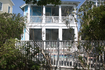 Front view of Point of View beach house rental