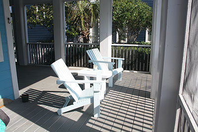 screened-in porch at Point of View vacation rental
